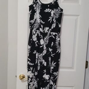 Jump suit nwot!  Black and white